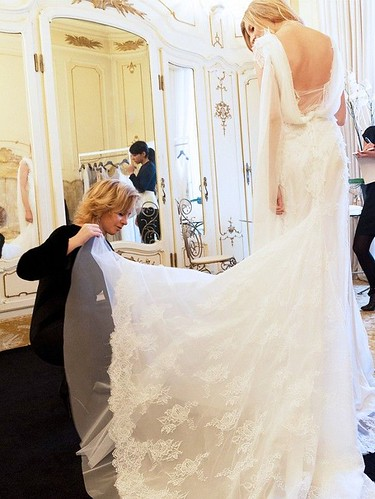10 Things Your Wedding Dress Consultant Wishes You Knew | by nparekhcards