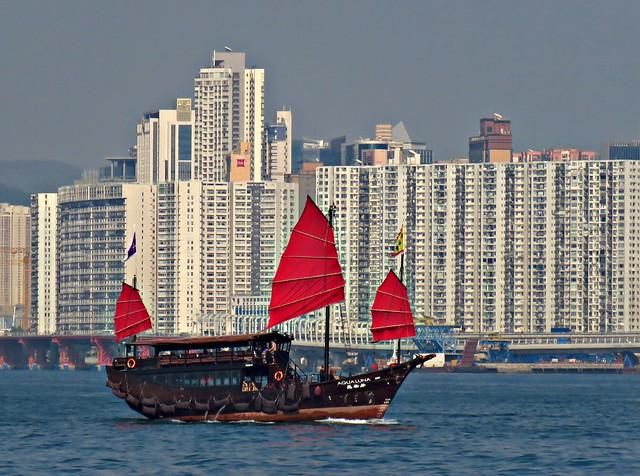 Aqua Luna 張保仔, Crossing Victoria Harbour, Hong Kong