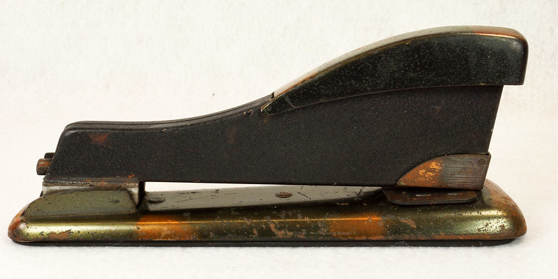 RD11756 Vintage Art Deco Stapler The Hotchkiss Sales Co. Norwalk, CT Model 120 DSC02419