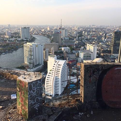 #sathoruniquetower #urbanexploring. Abandoned 46 Story Bui
