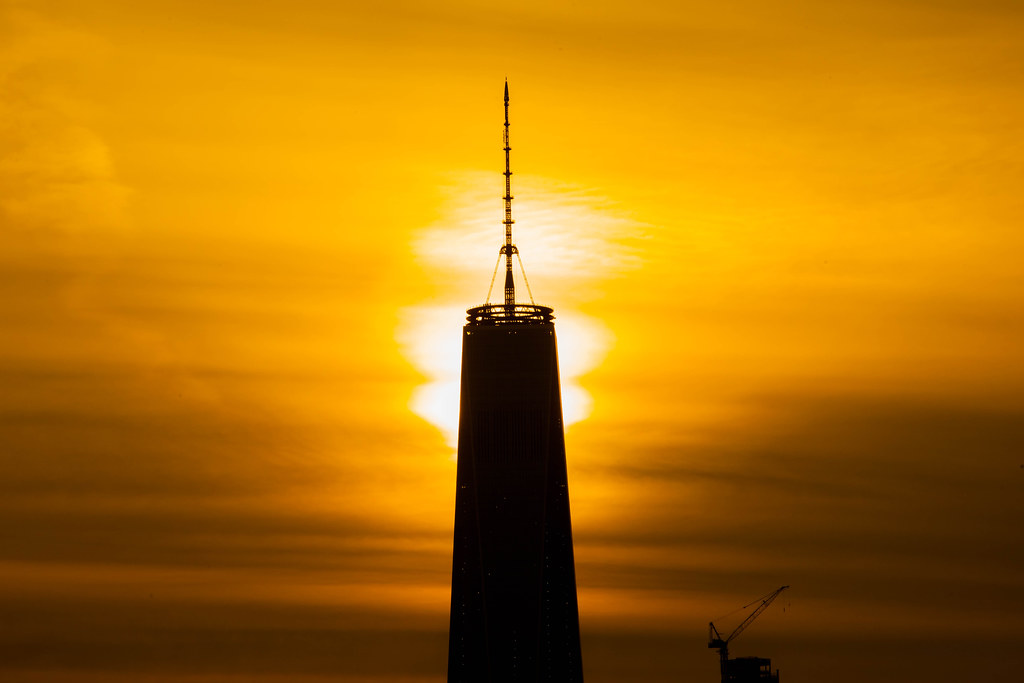 Wtc Sunrise >> Sunrise Behind One World Trade Center New York City Flickr
