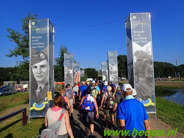 2016-07-19   1e dag Nijmegen    40 Km (37)