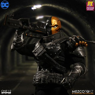 Mezco 1:12 - Stealth Deathstroke PX Exclusive | by manumasfotografo