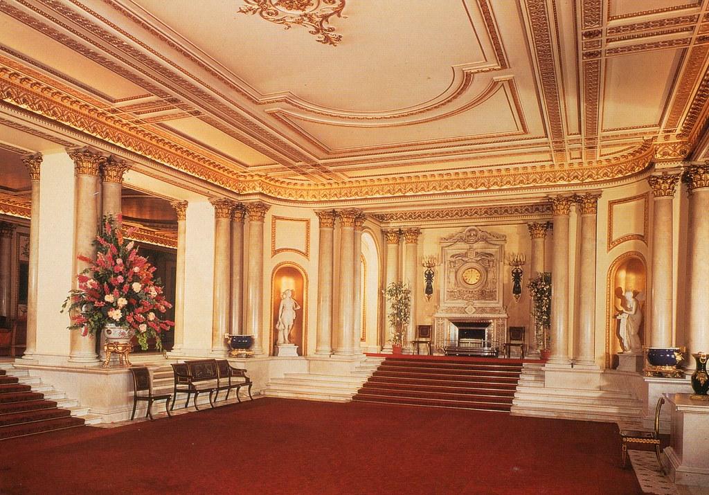 inside buckingham palace living quarters - 960×720