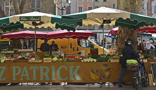 Aix en Provence Thursday markets, Place Richelme | by lacafferata