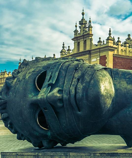 Eros Bendato Sculpture - Figure - Market Square (Rynek Glowny)  (Cross Effect) Krakow Old Town (Panasonic Lumix LX100)