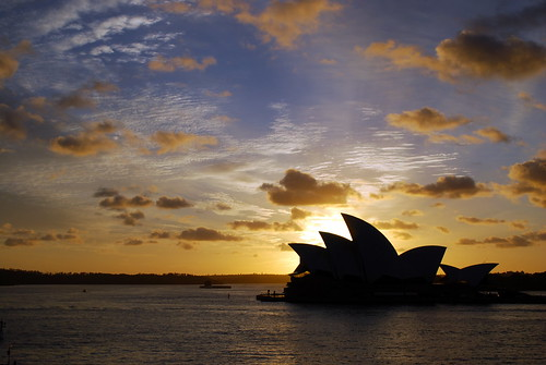 Silhouette of Sydney Opera House at sunrise | by sooolaro