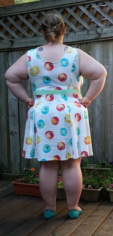 M6887 Apple dress