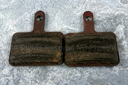Worn Tektro MTB brake pads | by ND-Photo.nl