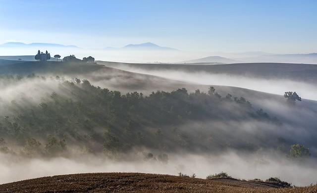 *strada di nebbia*