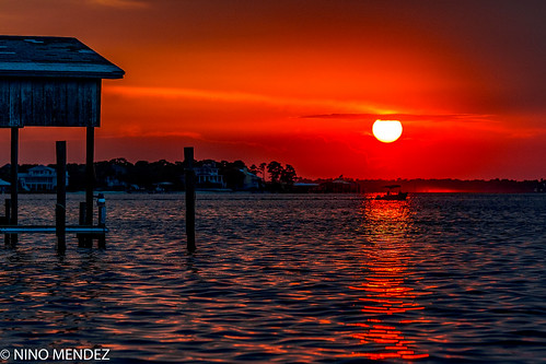sunset perdido bay pensacola florida sony a7 rokinon 135mm f56 water sun beach dock boat colors