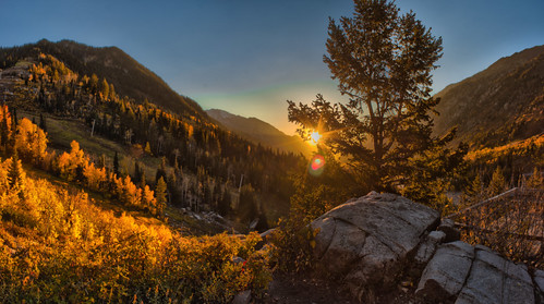light sunset panorama sun mountains fall leaves america canon eos rebel gold golden utah wasatch little pano north panoramic canyon cotton cottonwood fading spencer hdr t3i bawden spazoto