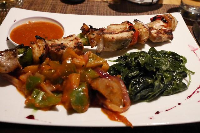 日, 2016-07-10 19:27 - Fusion Village Restaurant