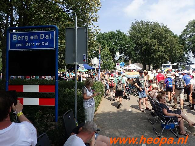 2016-07-21   3e  dag Nijmegen   40 Km  (140)