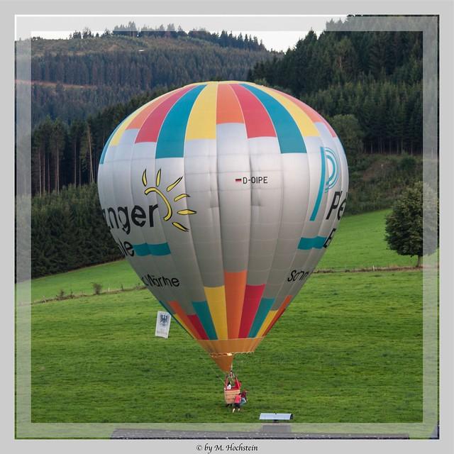 Ballon in der Nachbarschaft gelandet - Balloon landed in the Neighborhood