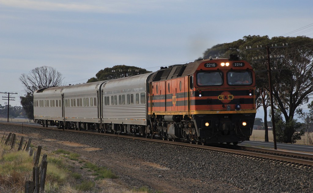 2216 accelerates out of Horsham on the AK test cars by bukk05