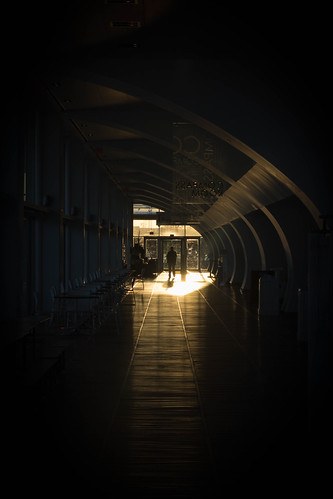 sunset people silhouette museum architecture long interior entrance hallway walkway leadinglines 2015 discoverycenter 365project 080365 privpublic