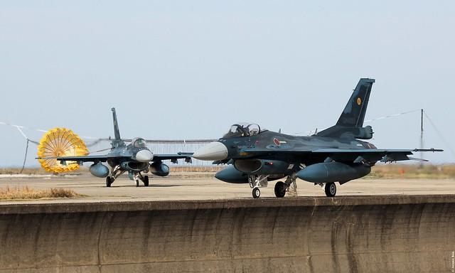 Mitsubishi F-2A 43-8528 / 528 and 13-8515 / 515 JASDF, 6 Hikotai, Tsuiki AB