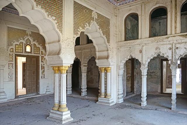 L'intérieur du Taj Mahal de Bhopal (Inde)