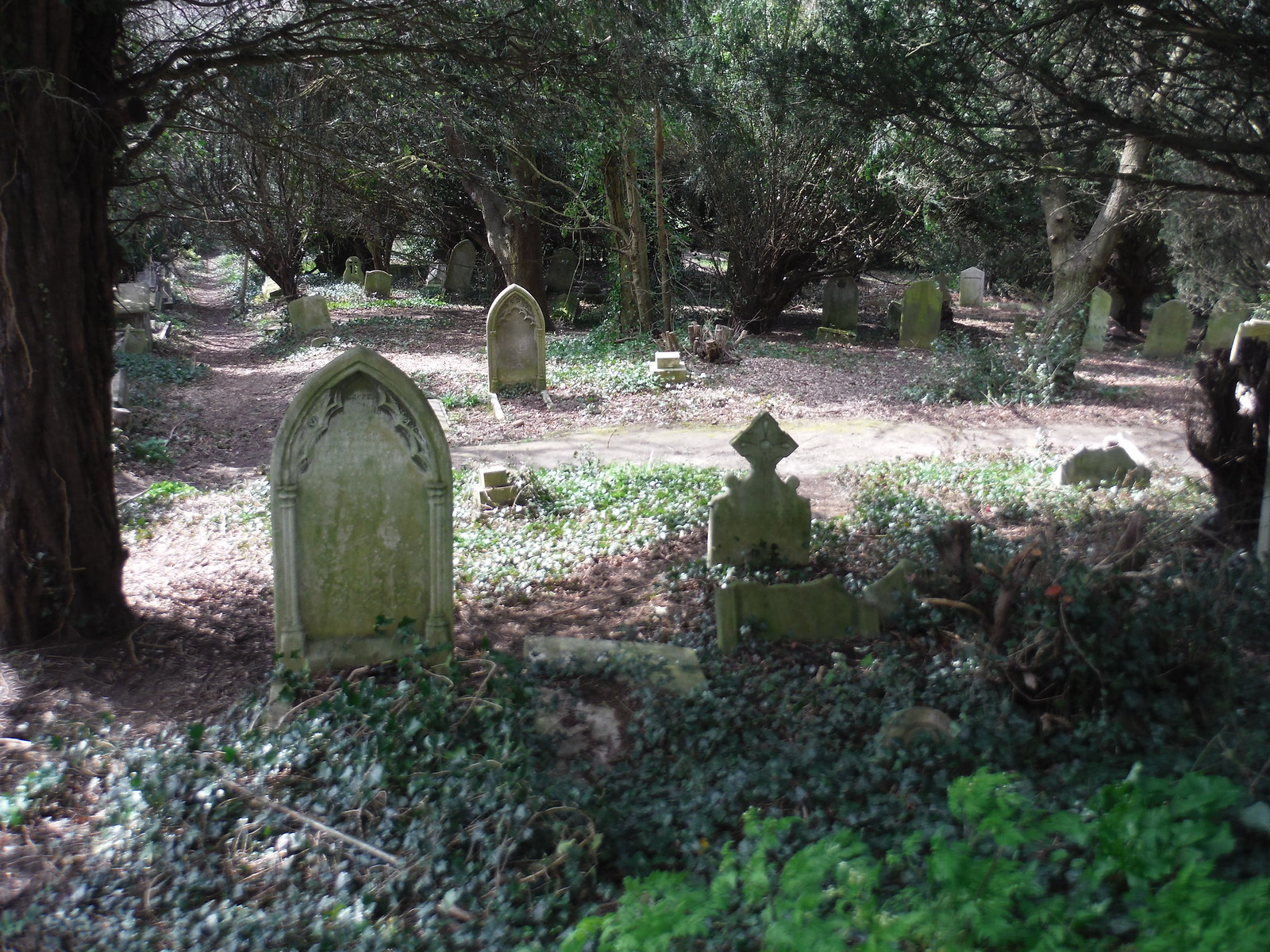 Hanging Cemetery SWC Short Walk 40 - Harrow-on-the-Hill (South Kenton or Northwick Park to Harrow-on-the-Hill)