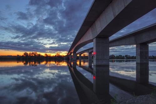 richland kennewick pasco tricities washington columbiariver river sunrise reflection sun sony sonya6000 sky waterscape water morning rokinon rokinon12mm samyang