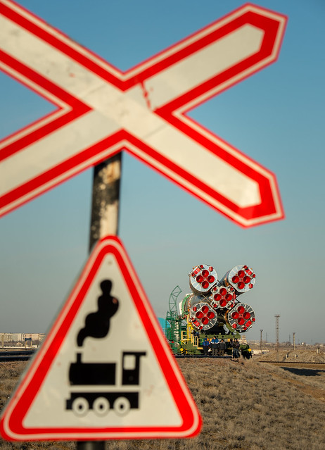 Expedition 43 Soyuz Rollout (201503250018HQ)