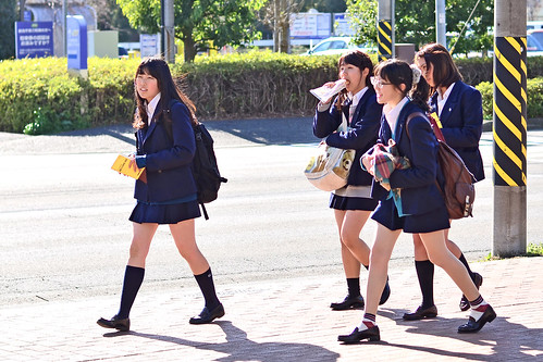 High School Girls in Japan : 日本の女子高校生   by Dakiny
