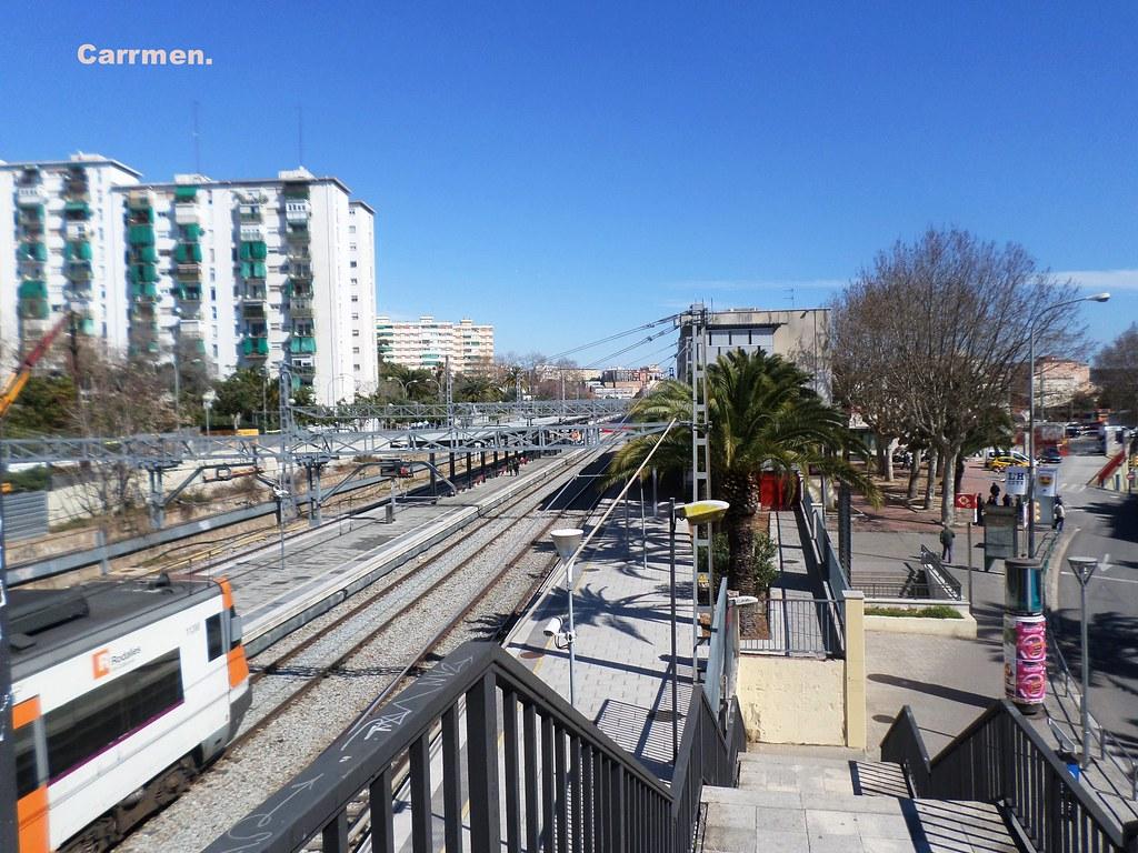 Estacion De Tren Hospitalet De Llobregat Corresponde A La Flickr