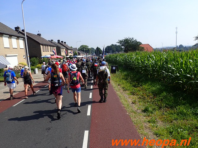 2016-07-21   3e  dag Nijmegen   40 Km  (84)