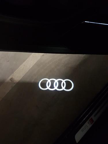 Audi Q7   by AudiBloggen