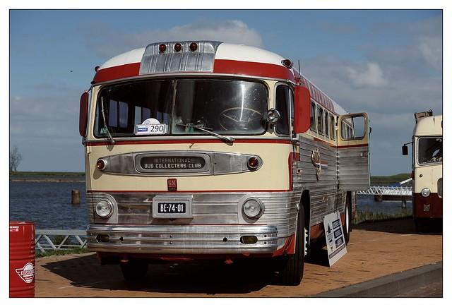 GMC PD4103 bus - 1952