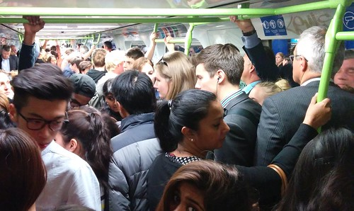 Dandenong line, Monday evening