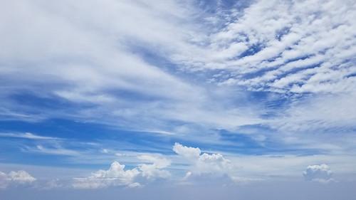 view clouds sky blue air flight window seat cathay pacific 國泰 hong kong kuala lumpur south china sea malaysia samsung note 8