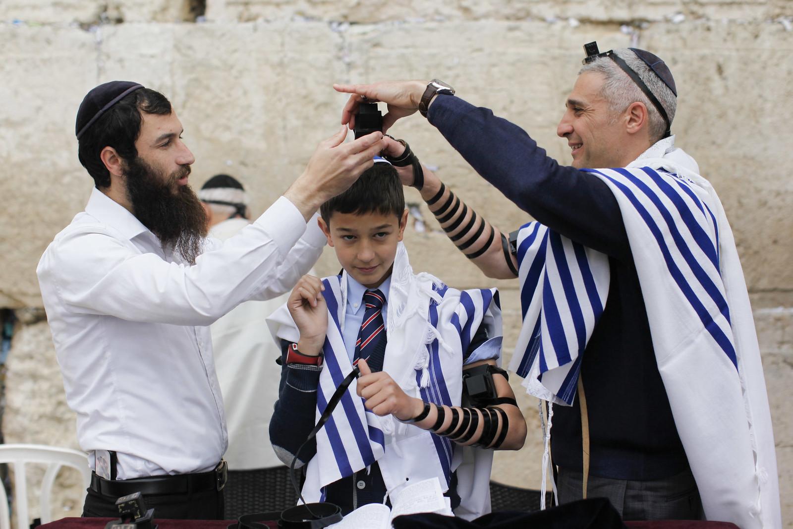 Bar Mitzvah 3_Jerusalem_9599_Yonatan Sindel_Flash 90_IMOT