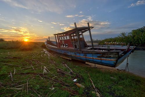 tourism sunrise landscape photography boat high interesting fishing fisherman nikon scenery village dynamic places scene malaysia omar range hdr d3 pantai kelantan hidayat greatphotographers shamsul kundur photoengine oloneo