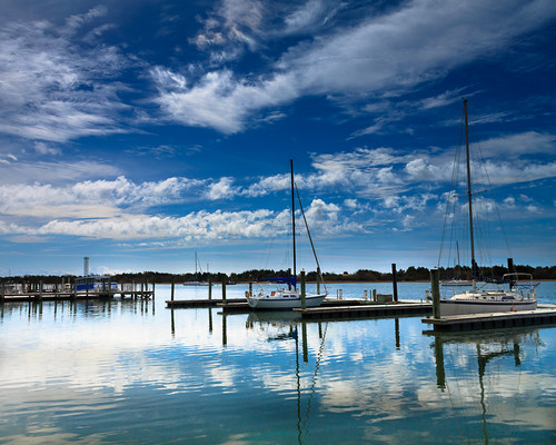 sky reflection water clouds boats coast nc crystal northcarolina polarizer beaufort