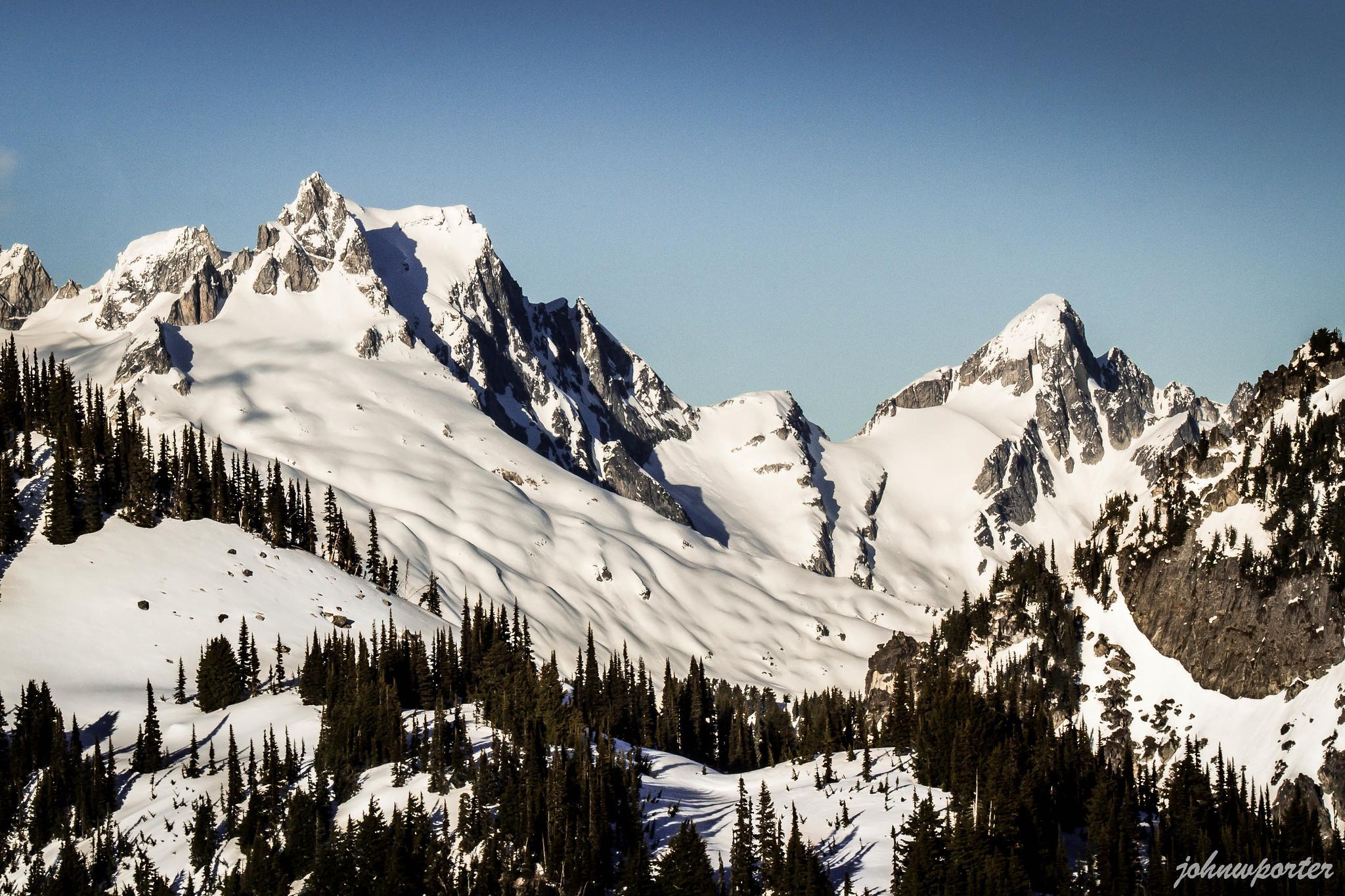 Dome Peak versus Sinister Peak