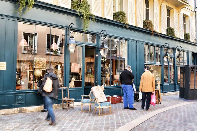 Chartres - Place Billard - Shopping By Gaslight