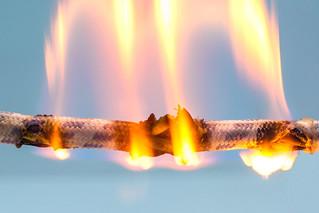 A tűzvédelemi ismeretek kiemelt területe a veszélyességi osztályozás,