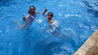 fun in the pool | by corsi photo