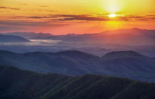 sunrise virginia spring hiking roanoke appalachiantrail blacksburg swva mcafeesknob at mcafeeknob