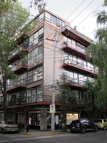 Photo album from Galería La Esperanza.