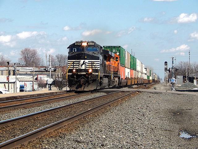 NS piggyback at Waterloo Indiana