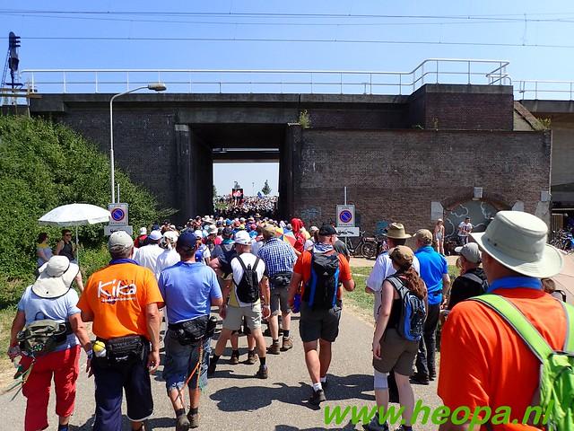 2016-07-19   1e dag Nijmegen    40 Km (124)