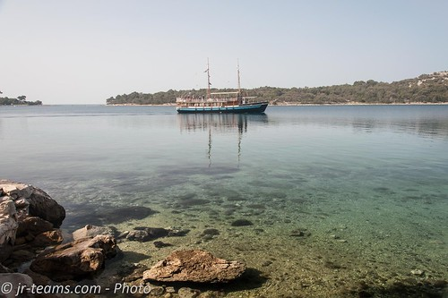 nikon d700 mali losinj croatia hrvatska kroatien nikkor afs 424120vrii 24120 bay sky blue water sea adria lošinj boat ship