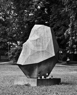 Ivan Goran Kovacic Zagreb Ribnjak Park Sculpture By Voj Flickr