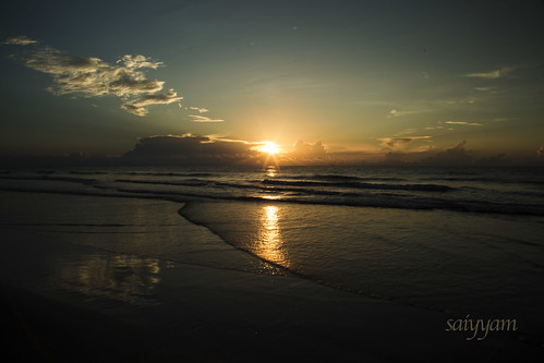 florida cocoabeach cocoa beach port canaveral morning summer sunrise reflection waves layers sea ocean atlantic atlanticocean clouds landscape nature calm sand bird blue sky salt water usa canon 6d dslr happy peaceful early reflect meditate