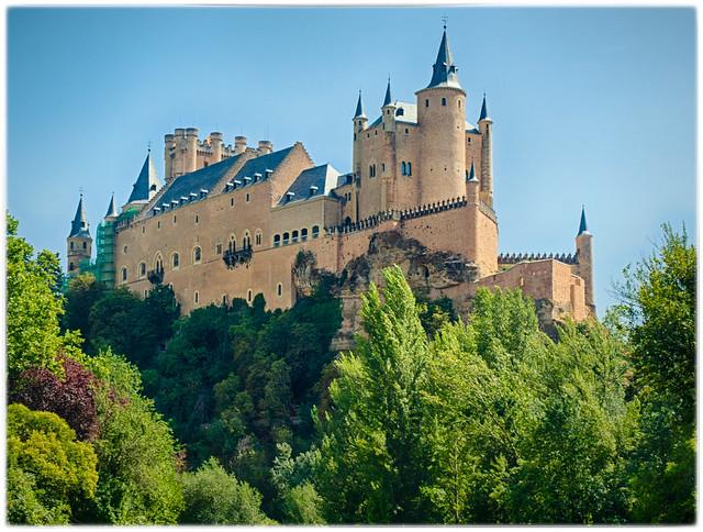 Segovia y su Alcázar