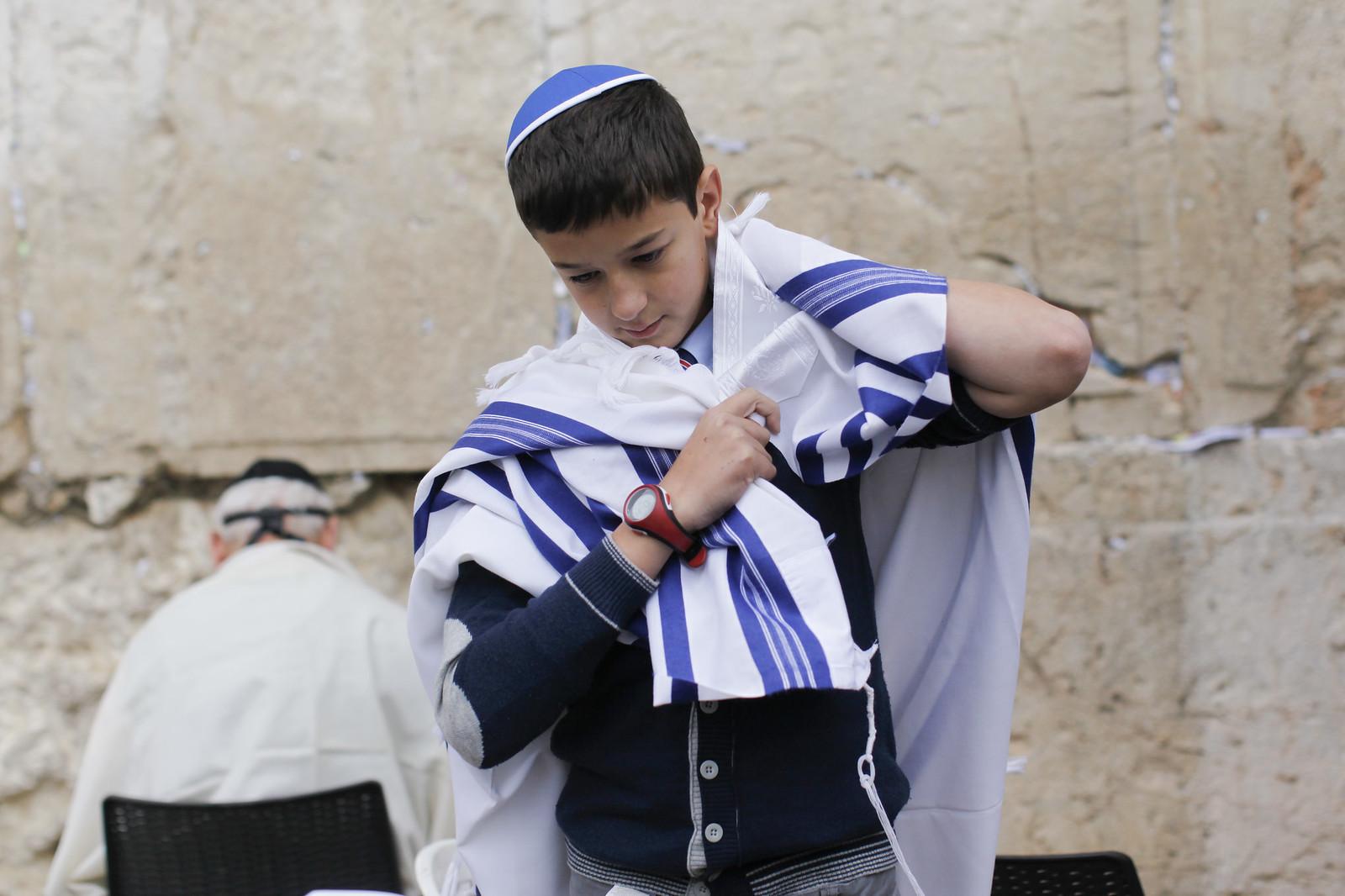 Bar Mitzvah 2_Jerusalem_IMG 9588_Yonatan Sindel_Flash 90_IMOT