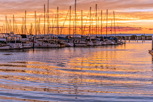 sunset sea water weather clouds marina boats boat sail scarborough goldenhour queenslandcoast sunsetsandsunrisesgold